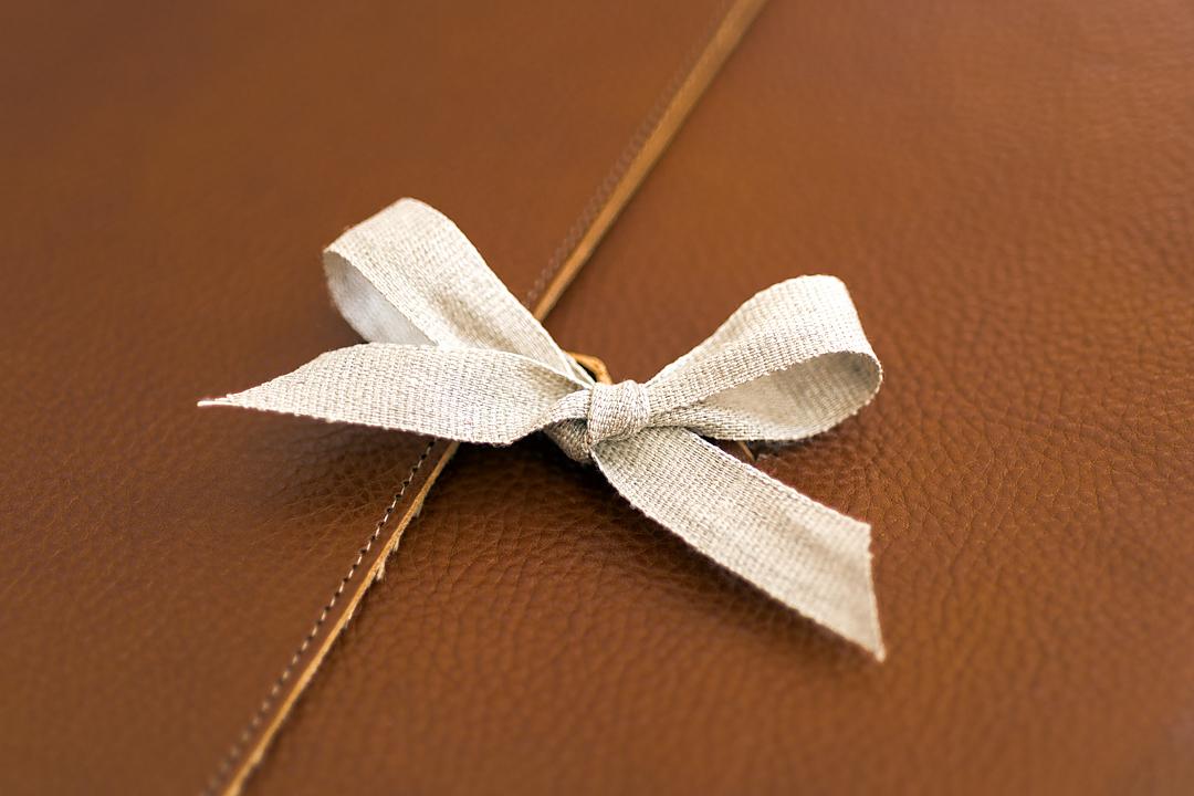 artisan book ribbon tie